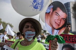 Este dia miles de personas participaron por sexto año consecutivo en la Marcha de Madres de Victimas de Desaparicion Forzada en Mexico, donde exigieron la aparicion con vida de sus familiares asi como la creacion de mecanismos efectivos de busqueda y una legislacion acorde a los instrumentos internacionales en la materia. 10 DE MAYO DE 2017, CIUDAD DE MEXICO FOTO: OCTAVIO GOMEZ