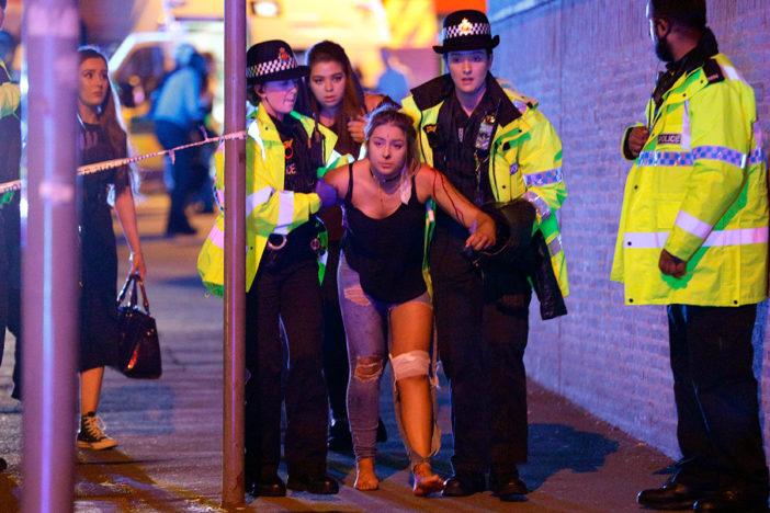Al menos 19 muertos y 50 heridos en una explosión en un concierto de Ariana Grande en Manchester