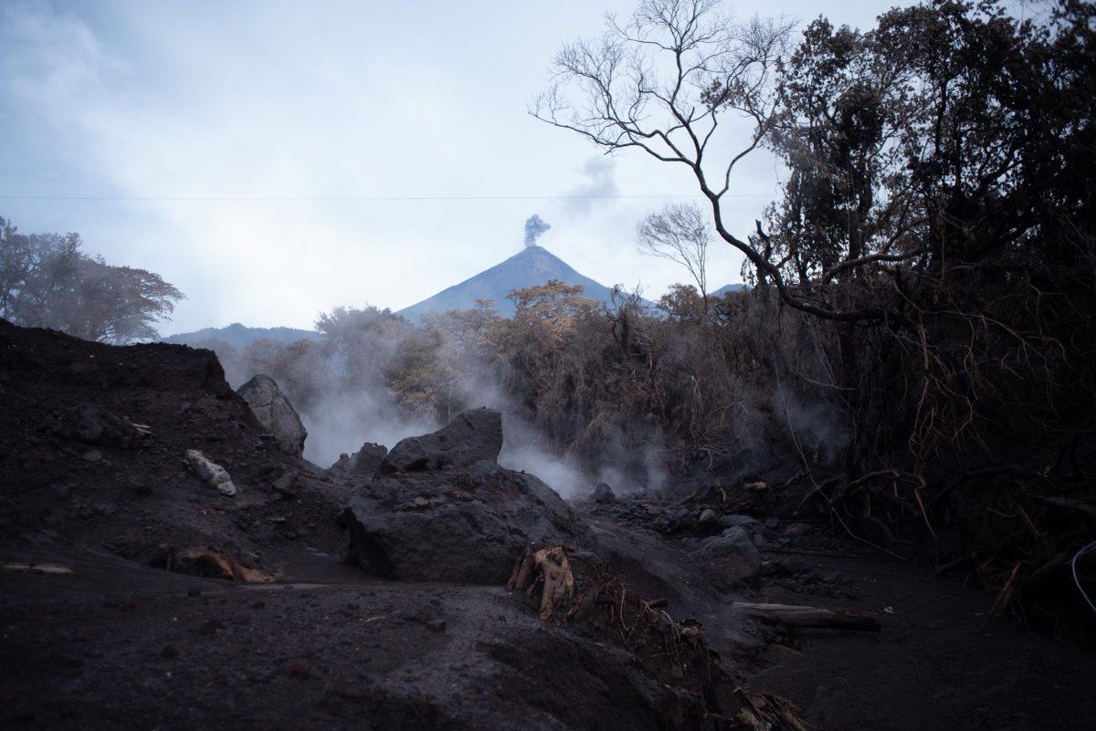 volcán-de-fuego-lahar-guatemala-1200x801