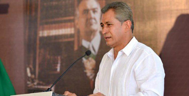El-Gobernador-Mario-Anguiano-anunció-el-Certamen-Nal.-de-Ensayo-Miguel-de-la-Madrid-Hurtado-2-567x335-770x392