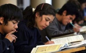 jovenes-estudiando